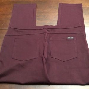 DKNY jeans cranberry leggings. new without tags